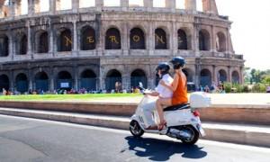 Vespa, Roman Coliseum
