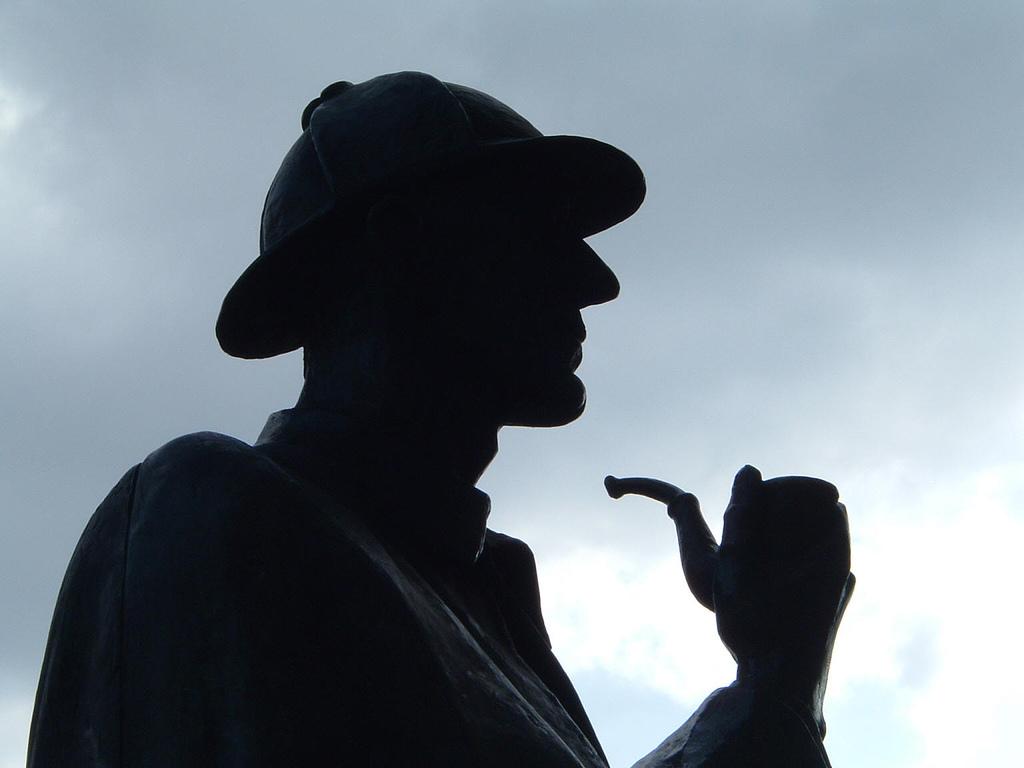 sherlock_holmes_statue[1]