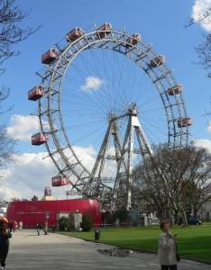 Wien Prater Riesenrad KLEIN1 234x300 Avrupanın Alternatif Eğlence Parkları