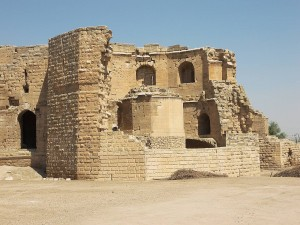 Harran-castle-bricks-ruins[1]