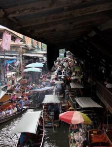 IMG 2942 228x300 BANGKOK – 5.gün Kanal Turu, Yüzen Çarşı