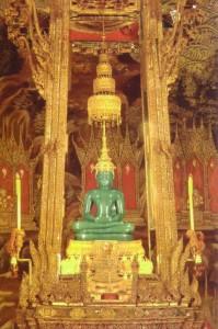 emerald1 199x300 BANGKOK – 4.gün WAT ARUN, GRAND PALAİS