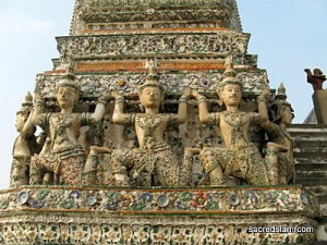 wat-arun-temple-of-dawn-bangkok-chedi-celestials[1]