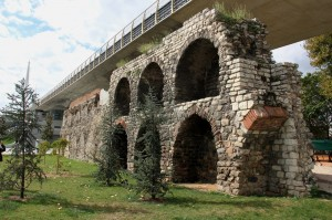 IMG 5084 300x199 İstanbul'un Hayalet Binaları