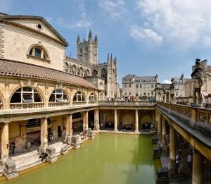 Roman_Baths_in_Bath_Spa,_England_-_July_2006
